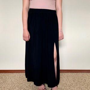 Forever 21 Maxi Skirt Side Slit Black Size XL